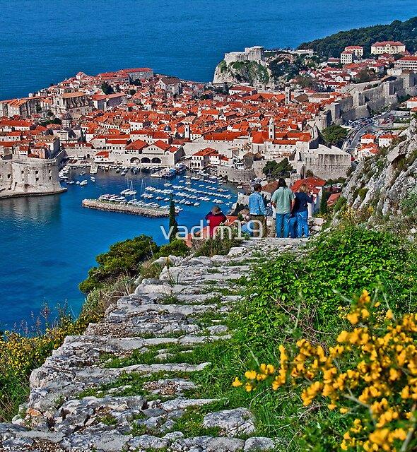 Looking at Dubrovnik by vadim19
