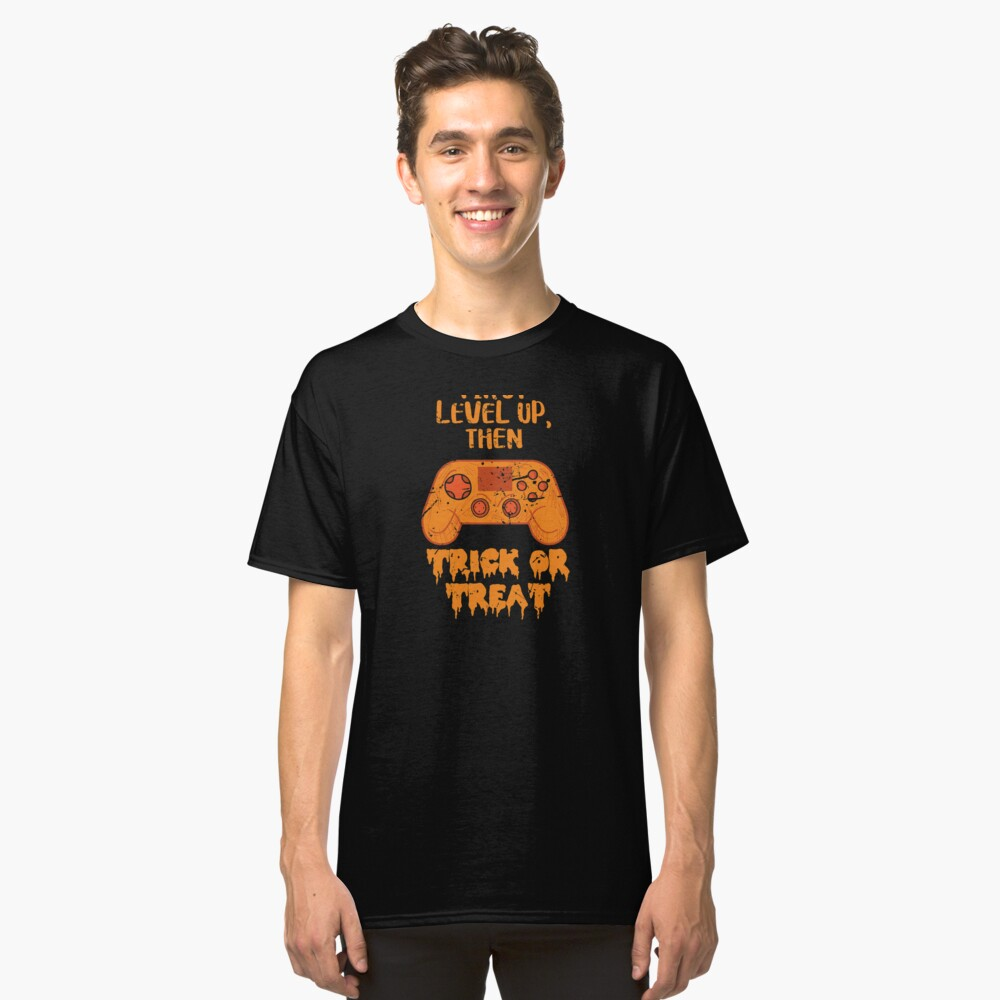 Gamer Halloween I Paused My Game Funny Gaming Orange Controller Classic T-Shirt