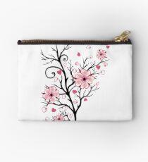 Kirschbaum Kirschblüten mit Herzen Sakura Frühling Studio Clutch