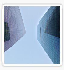 Pegatina 4:37, Looking up at the city