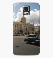 Black american car passing in front of the Revolution Museum, La Havana, Cuba. Case/Skin for Samsung Galaxy
