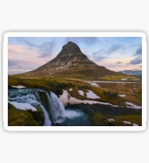 Kirkjufell, Grundarfjordur, Snaefellsnes, Island Sticker
