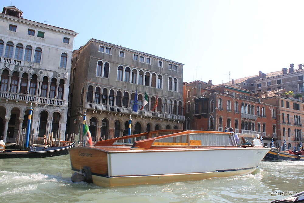 boat on venise river by xxnatbxx