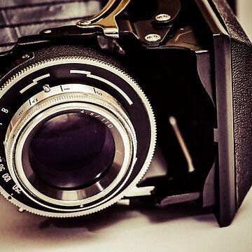 Fotografie - alte analoge Kamera in Perspektive von pASob-dESIGN