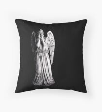 Weeping Angel - Don't Blink Throw Pillow