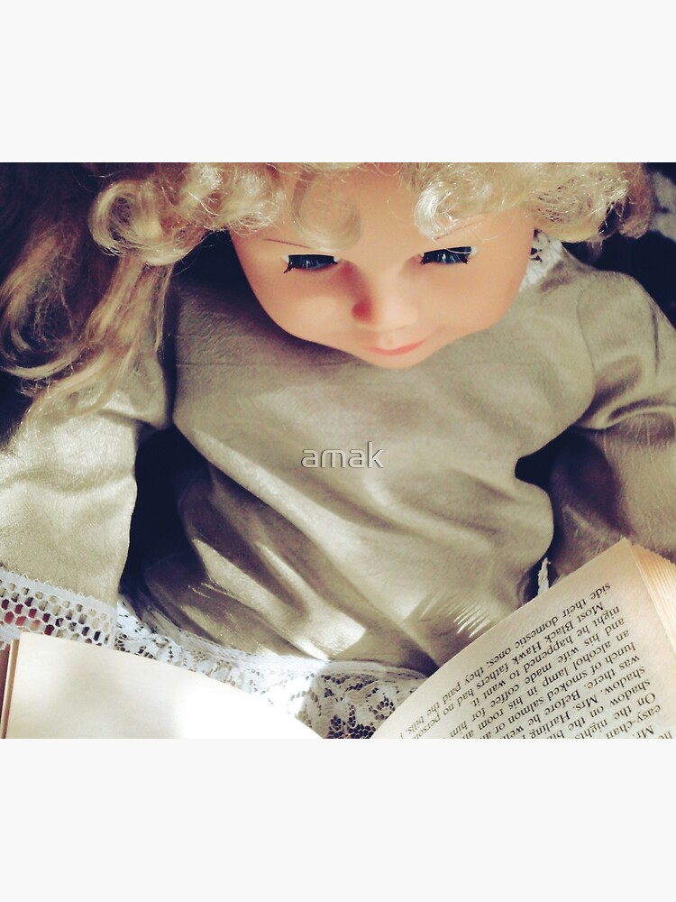 Leisure Reading  by amak