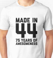 75th Birthday Gift Adult Age 75 Year Old Men Women Mom Dad Grandpa Grandma Unisex T