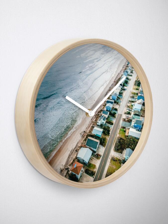 Alternative Ansicht von Farbbearbeitung des Strandes von oben Uhr