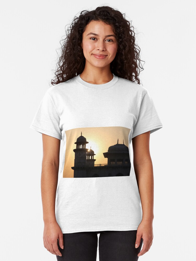 Alternate view of A Sunset Silhouette at the Itmad-ud-Daulah Mausoleum, Agra. Classic T-Shirt