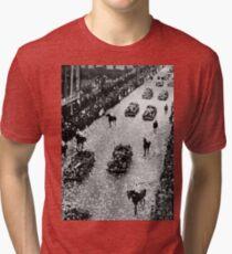 Демонстрация в честь возвращения челюскинцев в Москве на улице Горького. 1934. Demonstration in honor of the return Chelyuskintsev in Moscow on Gorky Street Tri-blend T-Shirt