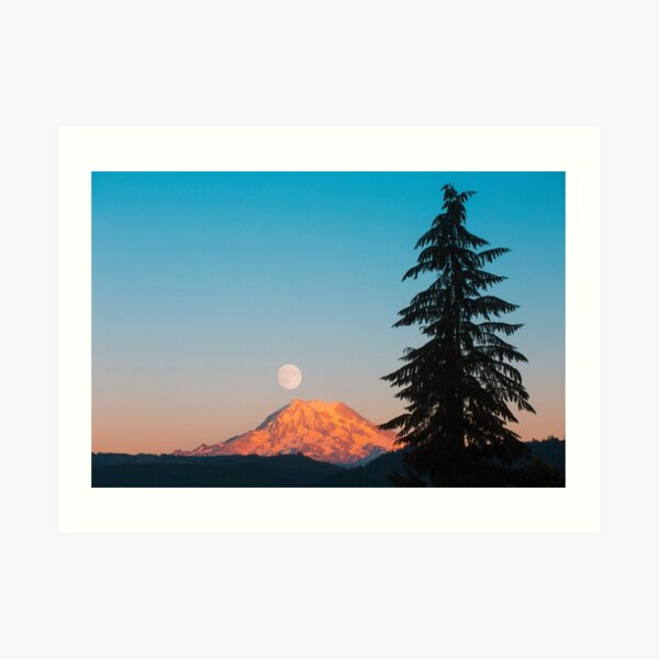 Mount Rainier Moonrise Art Print