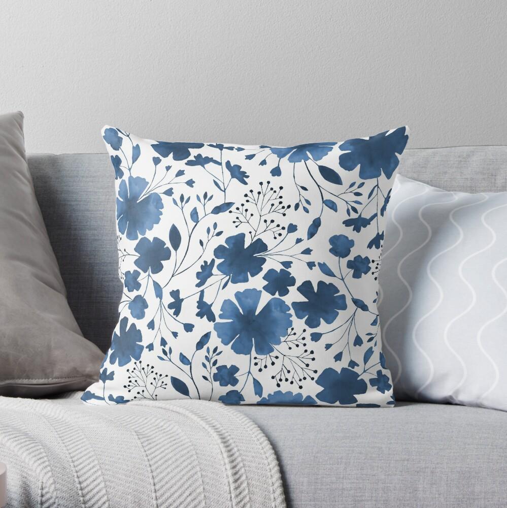 Acuarela floral azul en todo el patrón Cojín