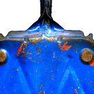 Dustpan Bleu by knobby