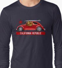 California Republic Surfing Bear (vintage distressed look) Long Sleeve T-Shirt