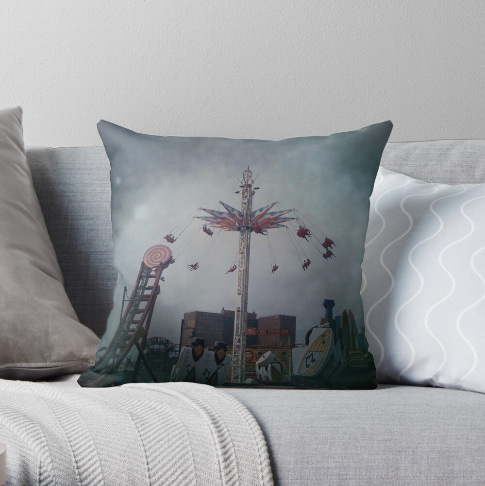Top of the World - Coney Island Brooklyn Art Photo - Brooklyn Lover Gift Throw Pillow