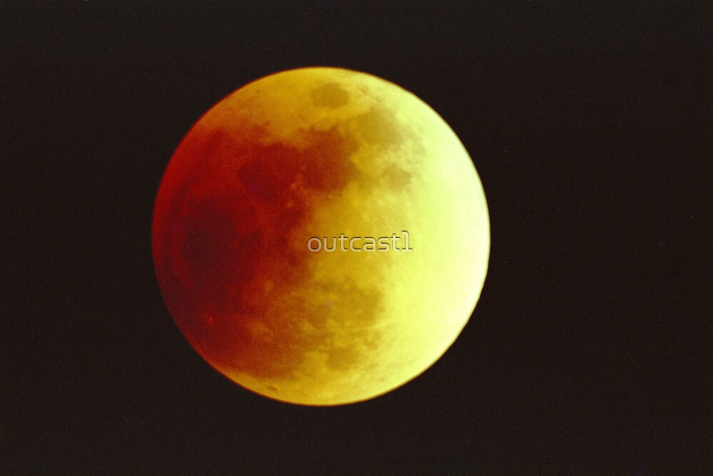 Lunar Eclipse July 16, 2000 by outcast1