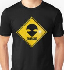 alien crossing T-Shirt