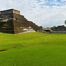 Mayan Pyramid at Comalcalco by Zane Paxton