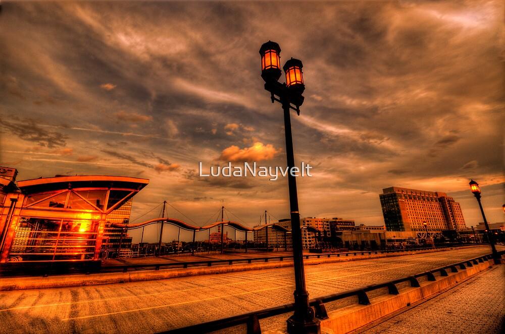 Reflection of the sun by LudaNayvelt
