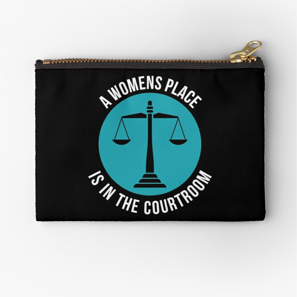 A Womans Place Is In The Courtroom Shirt Female Lawyer Gift Täschchen