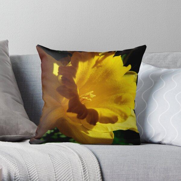 Daffodil Light Throw Pillow