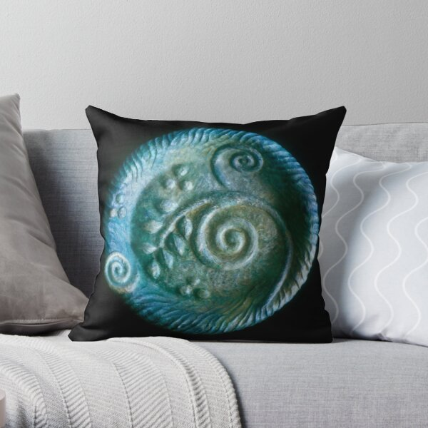 blu plate Throw Pillow