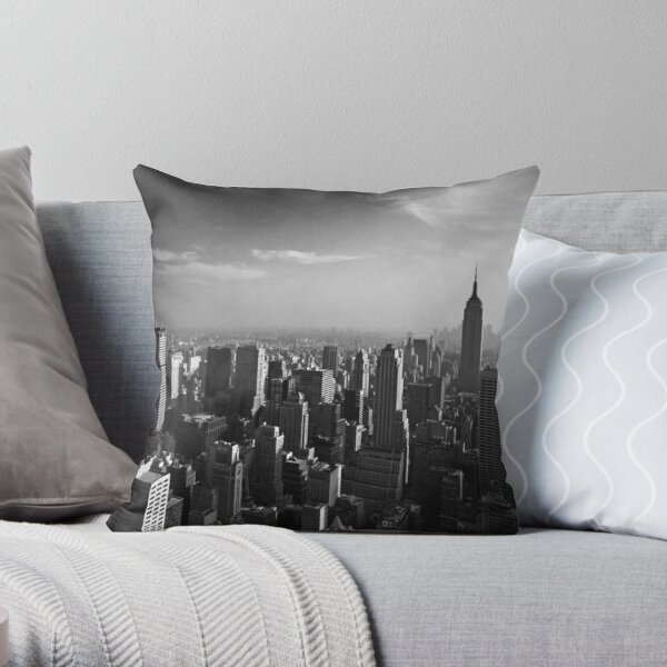 Manhattan Skyline with Empire State Building (Alan Copson ©) Throw Pillow