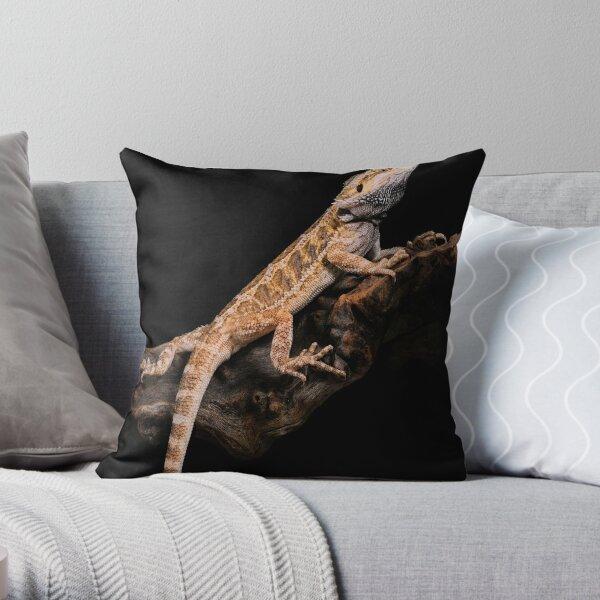 Central Bearded Dragon [Pogona vitticeps] Throw Pillow