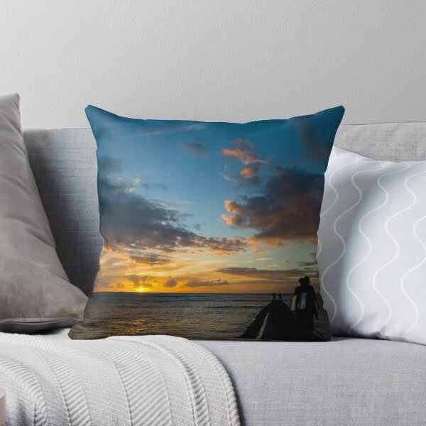Honolulu, Hawaii Throw Pillow