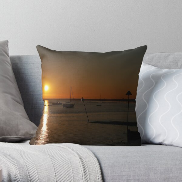 Leigh on Sea, Essex -  Winter Sunset Throw Pillow