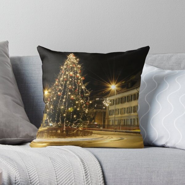 Chistmas Memories Throw Pillow