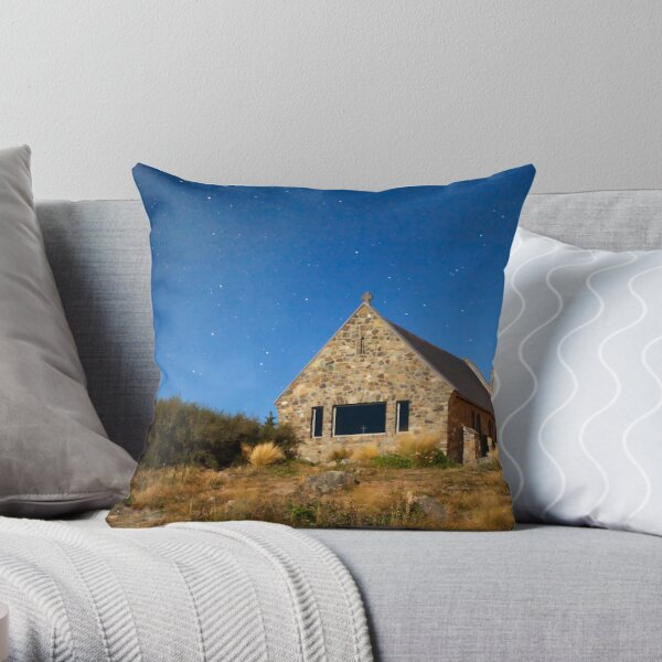 Church Of The Good Shepherd - Lake Tekapo NZ Throw Pillow