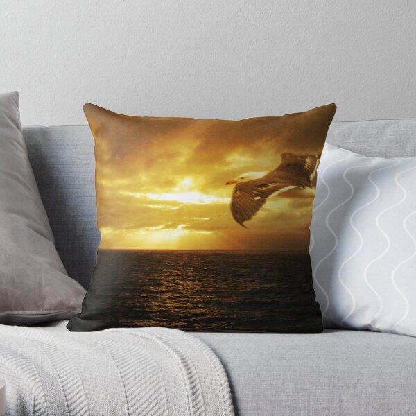 Dawn, Cape Du Couedic. K.I. Throw Pillow