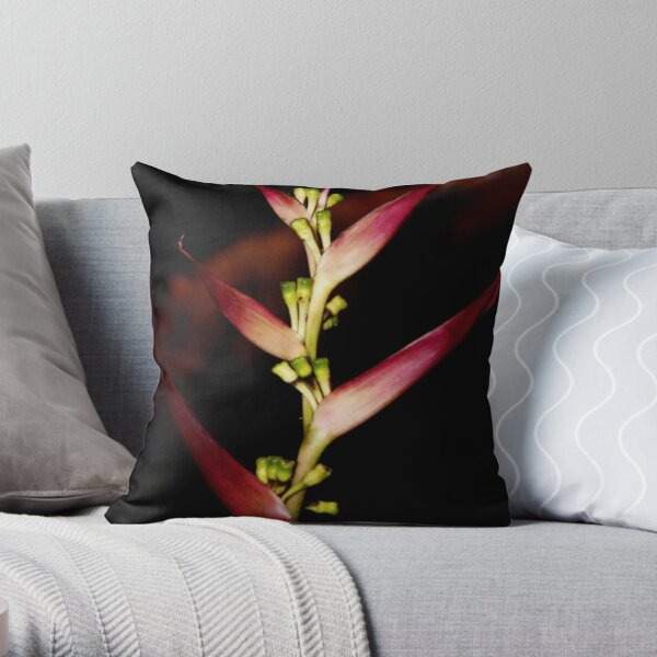 seule fleur rouge Throw Pillow