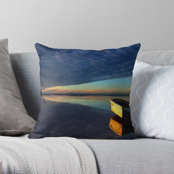 You Wanna Be There But You Don't Wanna Travel Throw Pillow