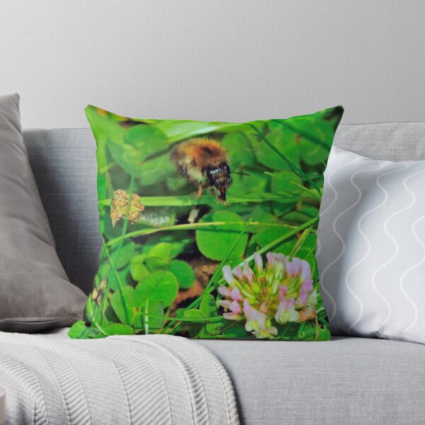 Flying Bee 0031 Throw Pillow