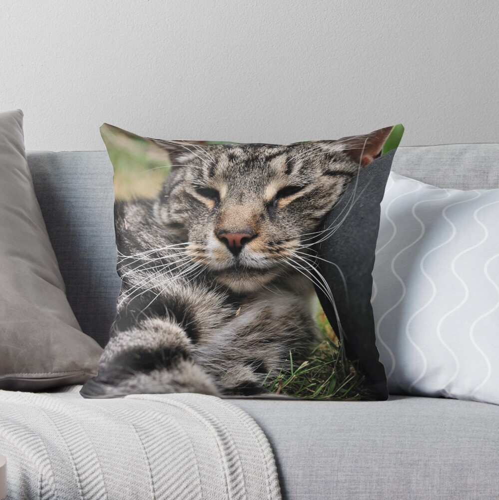 I Kneed a Pillow Throw Pillow