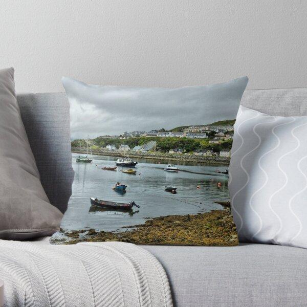 Mallaig Harbour . Throw Pillow