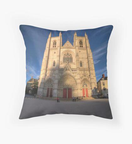 Cathedrale de Nantes Throw Pillow