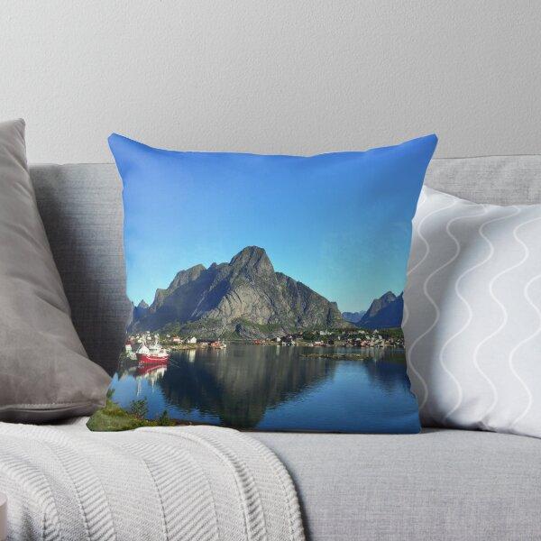 Å i Lofoten Throw Pillow