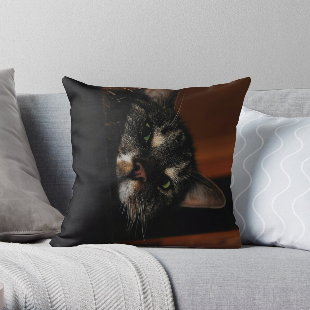 'Ello.. Throw Pillow