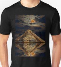 Chichen Itza Ancient Mayan Temple Art Unisex T-Shirt