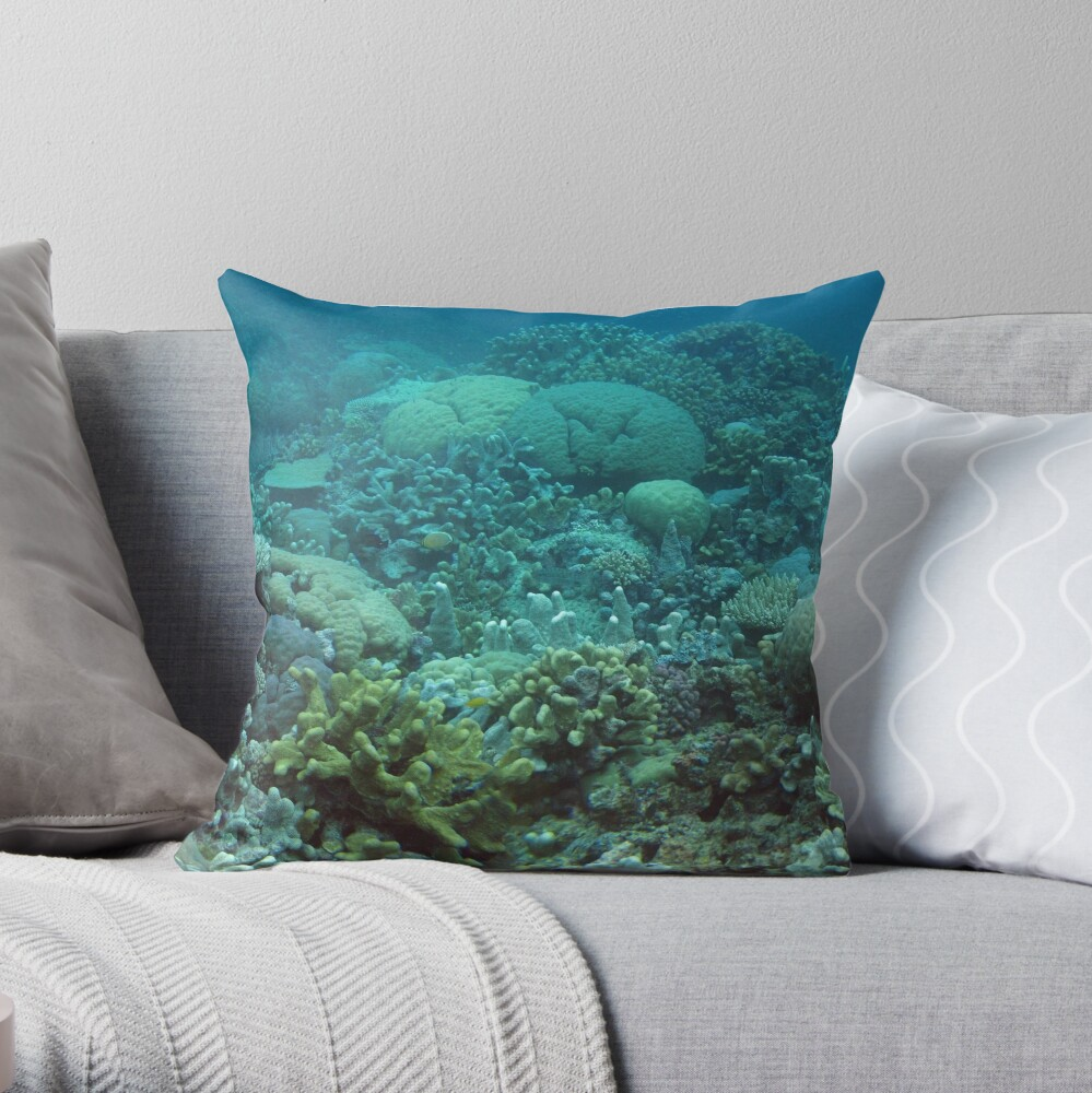 Binusa Point III Throw Pillow