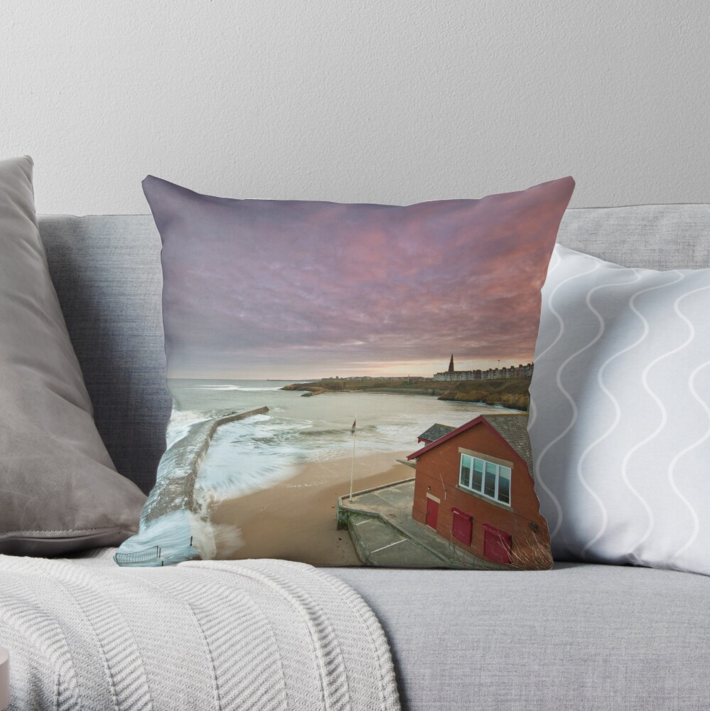 Cullercoats harbour Throw Pillow