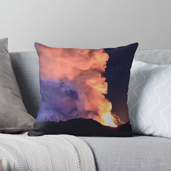 Etna show  Throw Pillow