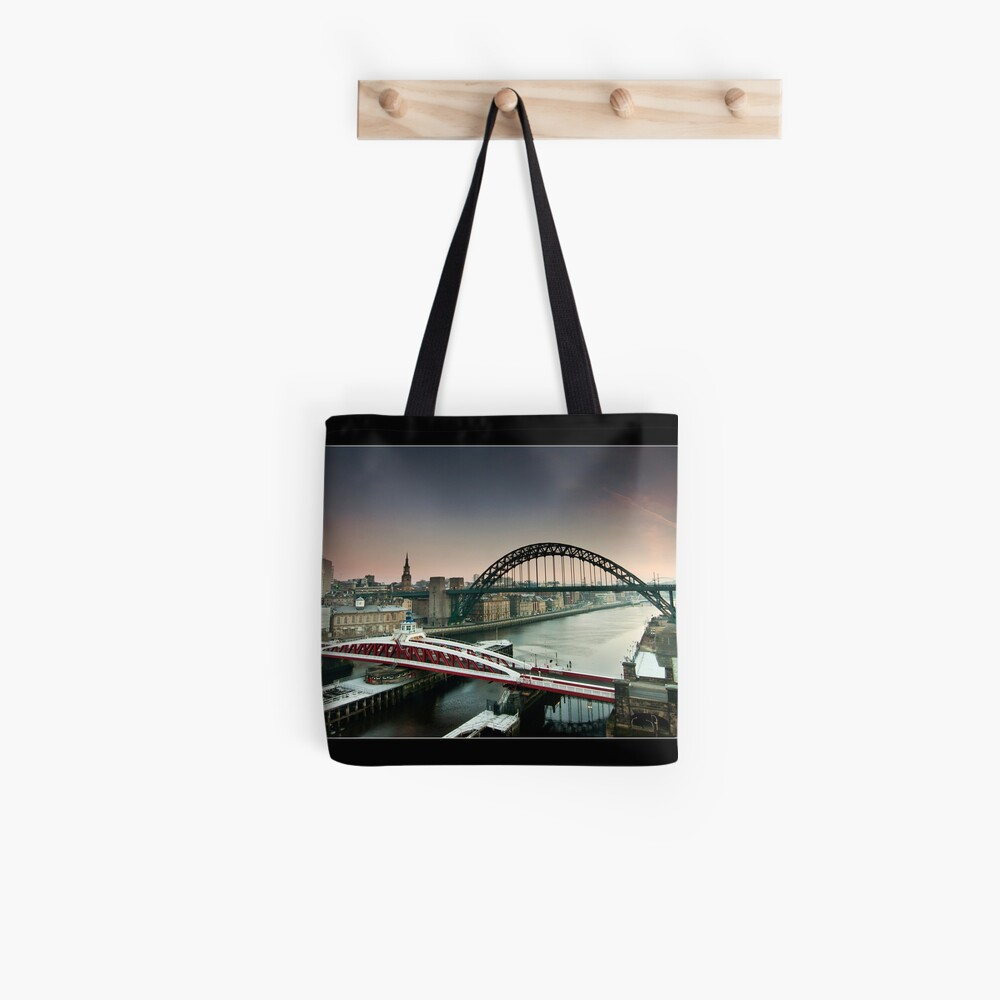 The city wakes Tote Bag