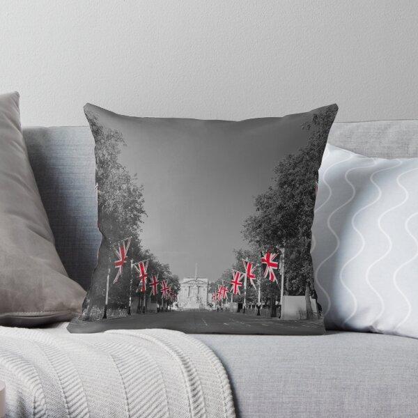 UK, England, London, Buckingham Palace, Royal Wedding Throw Pillow