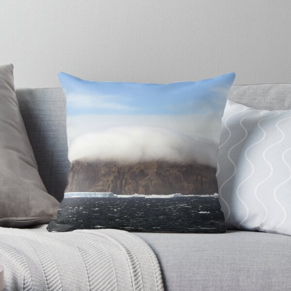 Head in the clouds Throw Pillow
