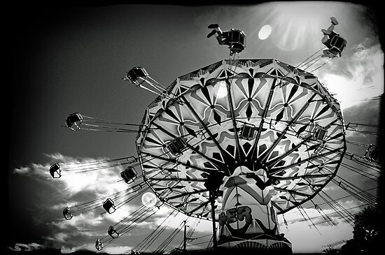 'Swinger' ride - Kalgoorlie-Boulder Community Fair by Melissa Drummond