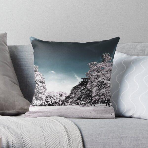 Infrarouge 2 - Panorama nature infrared mockup  Throw Pillow